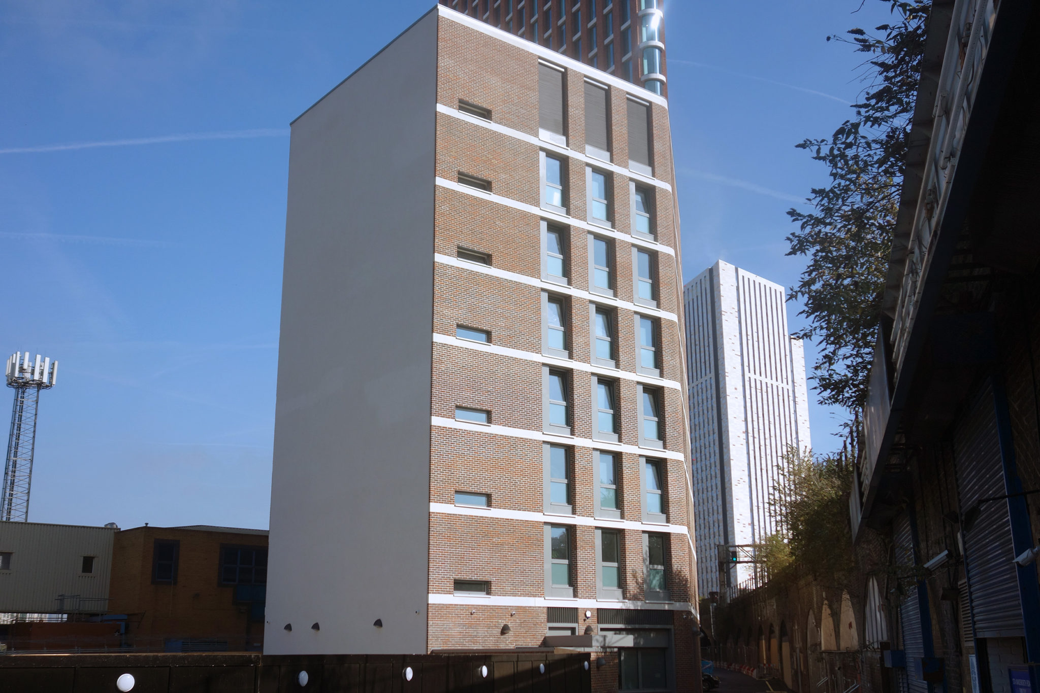 Residents move into new Thames Reach hostel