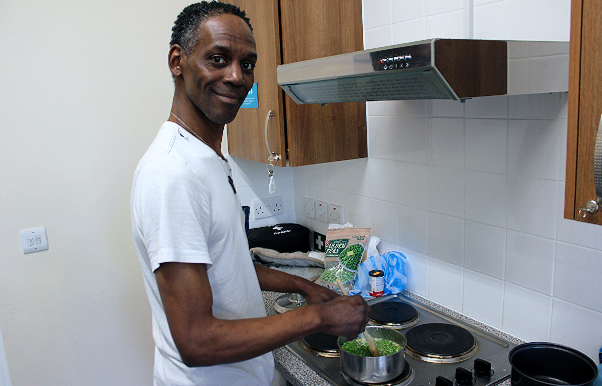 Residents sharpen their cookery skills at new Greenwich Hub